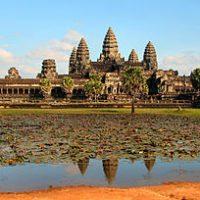 តំបន់អទិភាពក្នុងការអភិវឌ្ឍ ទេសចរណ៍កម្ពជា តំបន់អទិភាពក្នុងការអភិវឌ្ឍទេសចរណ៍កម្ពុជា Priority areas for Cambodia tourism development   ដោយលោក ហេង សុភី (បេក្ខជនបណ្ឌិតផ្នែកទេសចរណ៍)                            មន្រ្តីស្រាវជ្រាវផ្នែកពាណិជ្ជកម្មនិងគ្រប់គ្រង នៃវិទ្យាស្ថានមនុស្សសាស្រ្តនិងវិទ្យាសាស្រ្តសង្គម